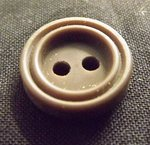 BUTTON 2 HOLES MM 10 LIGHT BROWN